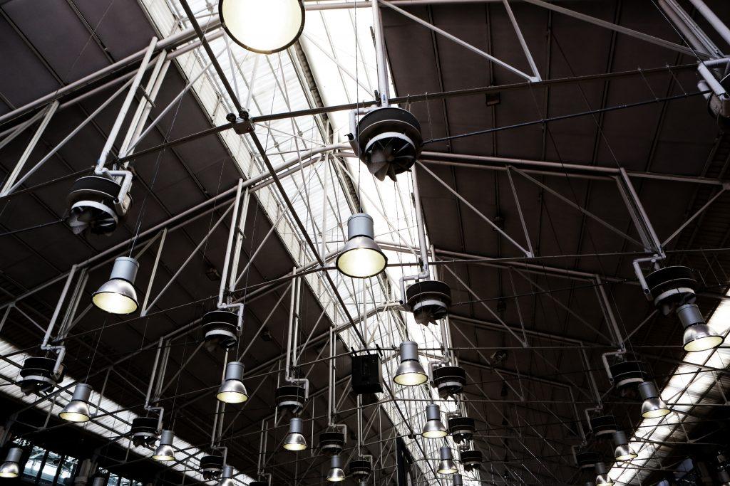 Pomiary natężenia oświetlenia w miejscu pracy