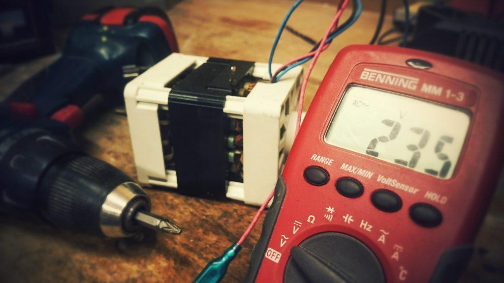 jakosc-energii-elektrycznej-salwis