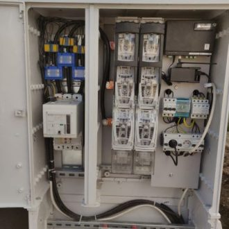 Montaż złącz kablowych