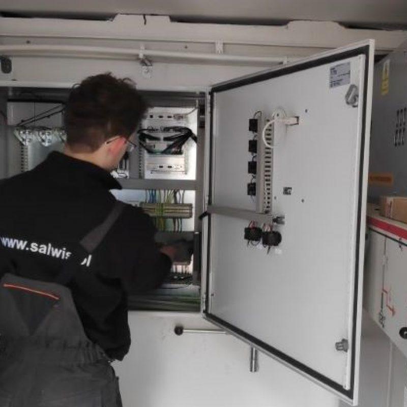 Montaż telemechaniki, stacja transformatorowa w Klęczanach.